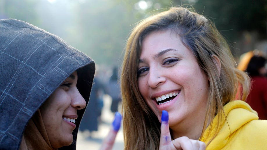 e027c3f4-Mideast Egypt Dismal Turnout