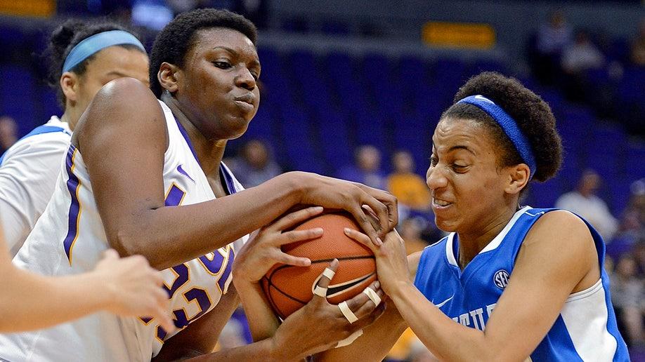 d2342e98-Kentucky LSU Basketball