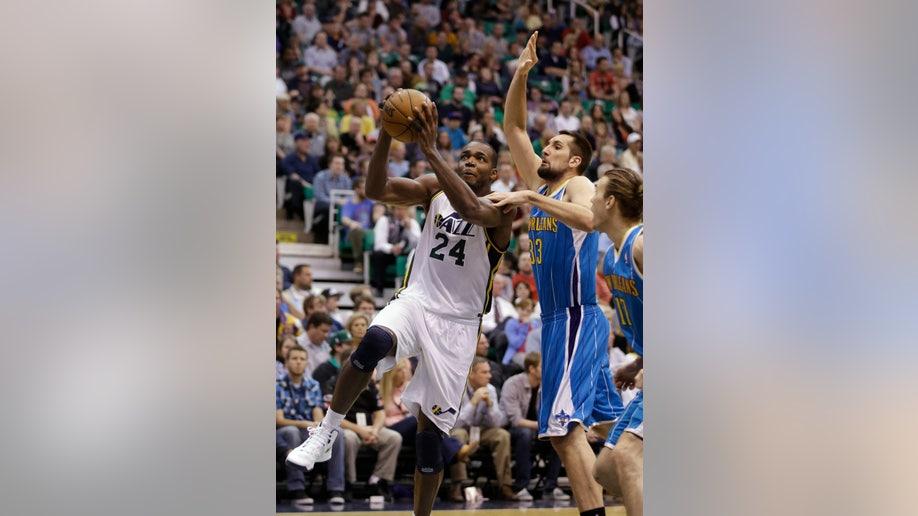 81dfadc0-Hornets Jazz Basketball
