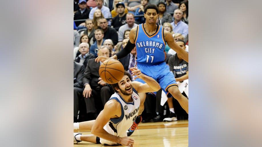 ea1a33e8-Thunder Timberwolves Basketball