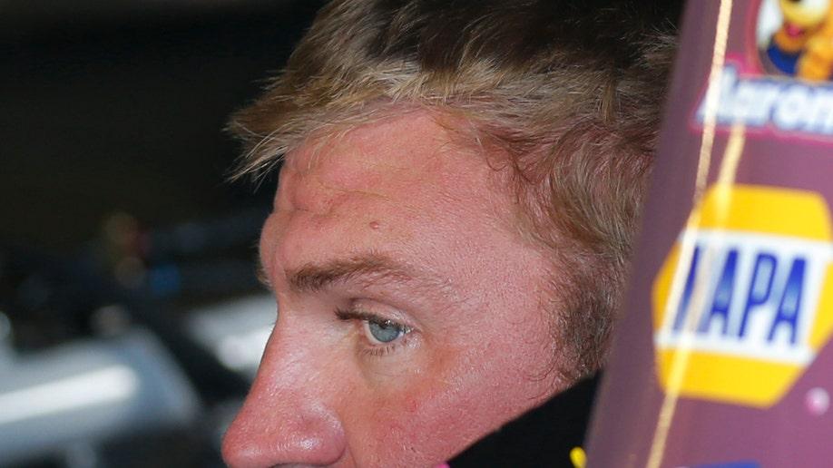 04fd6da3-NASCAR Kansas Auto Racing