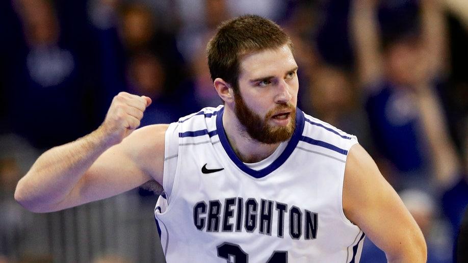 6b1e5da4-Creighton Wragge Raining Threes Basketball