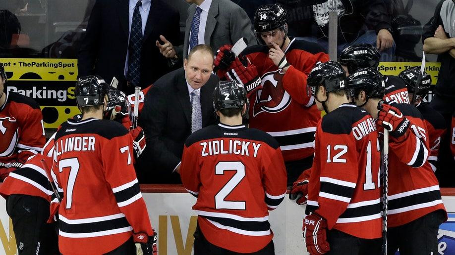 1d2dc4f0-Islanders Devils Hockey