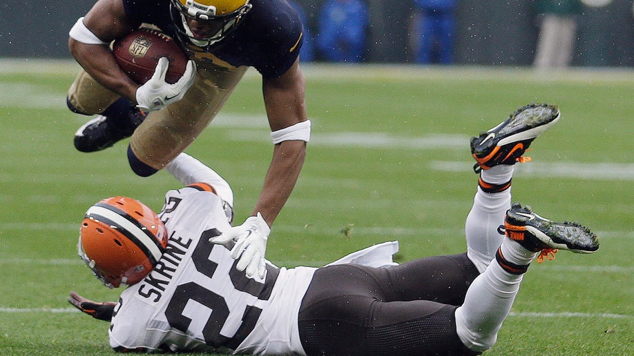 84e0c8f7-Browns Packers Football