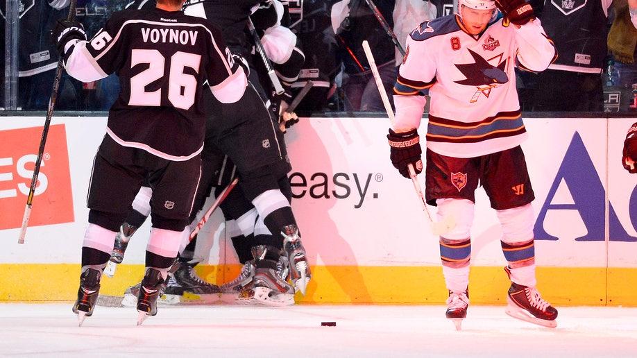 7c8bd098-Sharks Kings Hockey