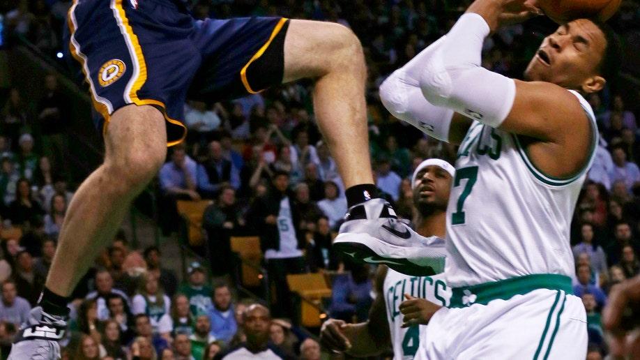 9b0633f4-Pacers Celtics Basketball