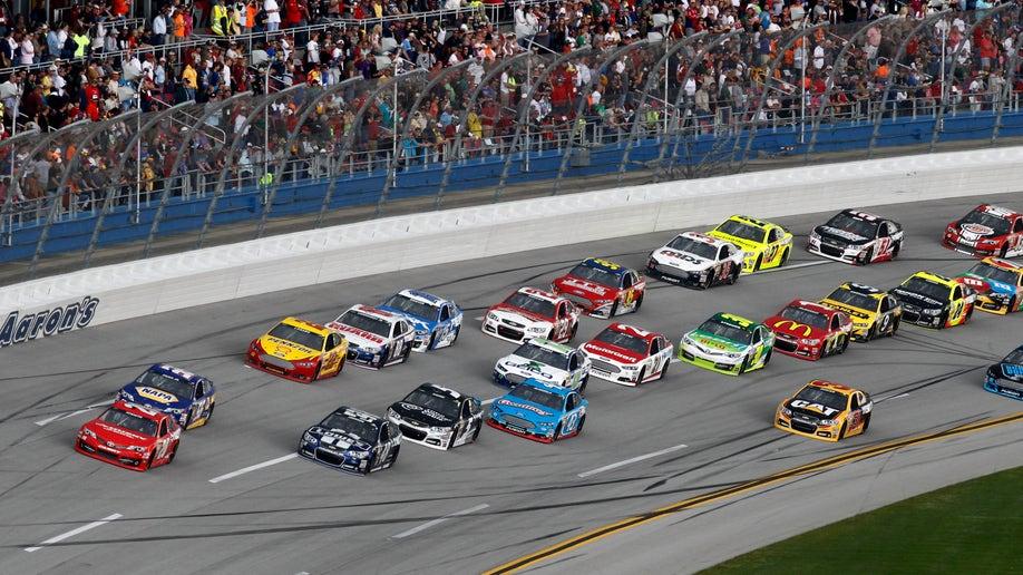5ef80c28-NASCAR Talladega Auto Racing