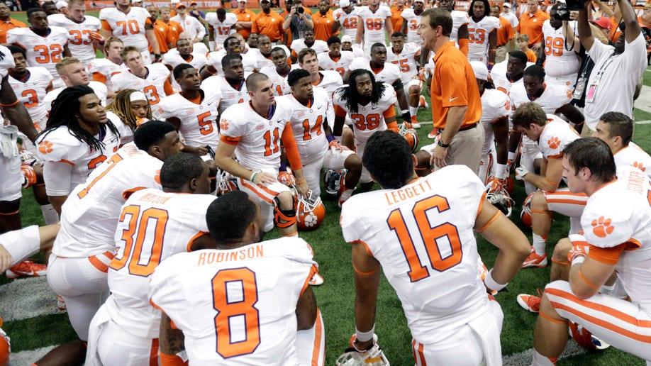 bf0ede6d-Clemson Syracuse Football