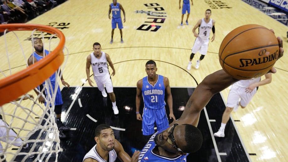 c6960763-Magic Spurs Basketball