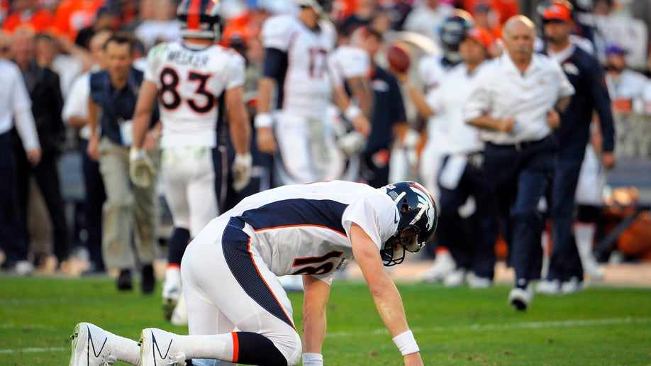 dcf89e9a-Broncos Chargers Football