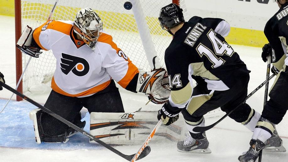 e1bb8359-Flyers Penguins Hockey
