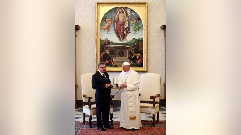 1f99712b-Vatican Pope Salvador
