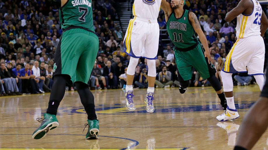 8307dfd4-Celtics Warriors Basketball