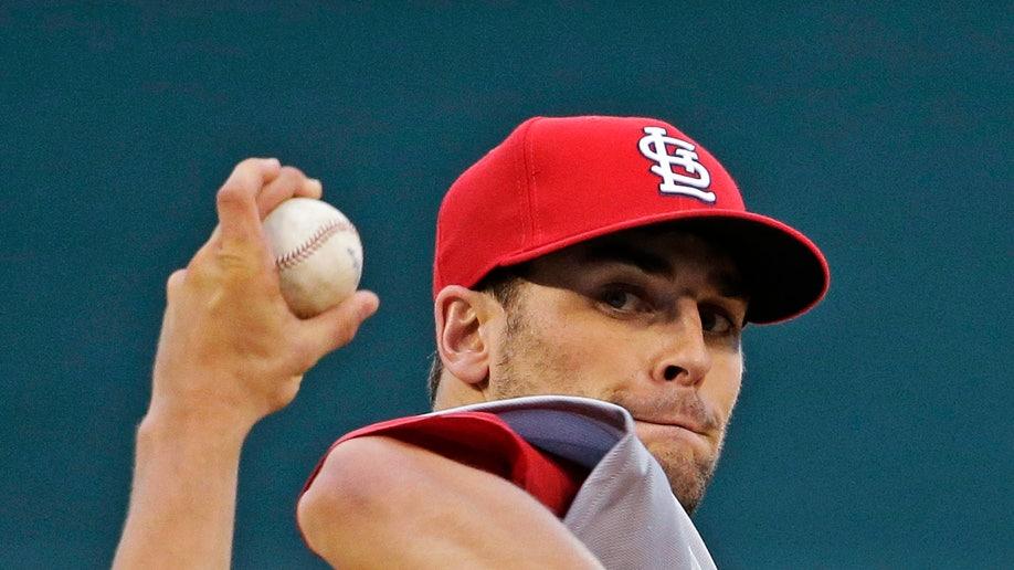 1f2af925-Cardinals Royals Baseball