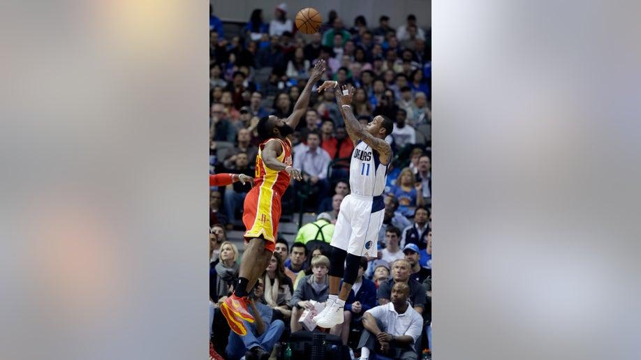 f3758fd3-Rockets Mavericks Basketball