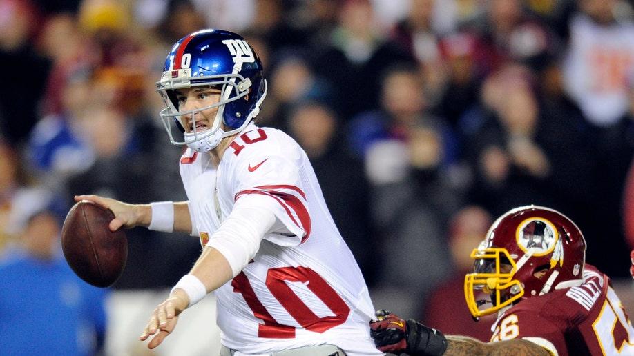 f2ba804e-Giants Redskins Football
