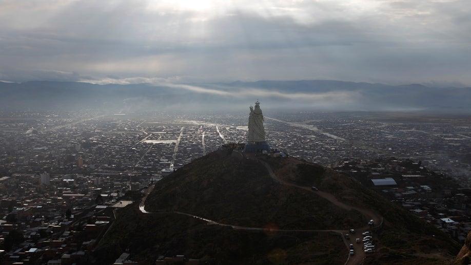 497ffab2-Bolivia Virgin Statue