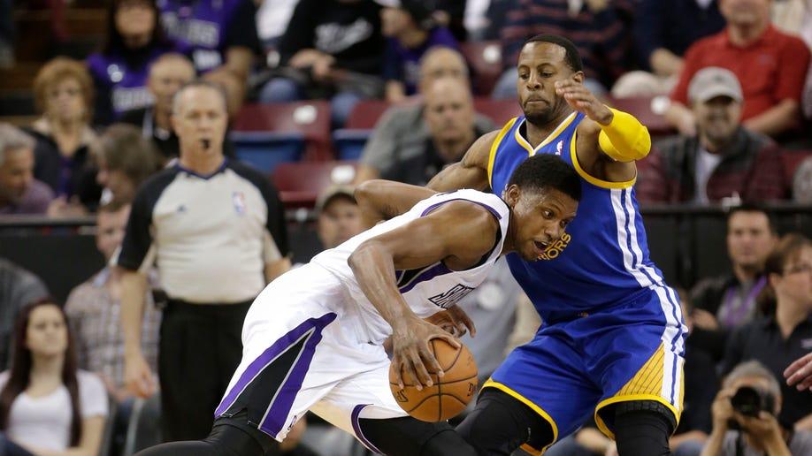 87bd0bd7-Warriors Kings Basketball