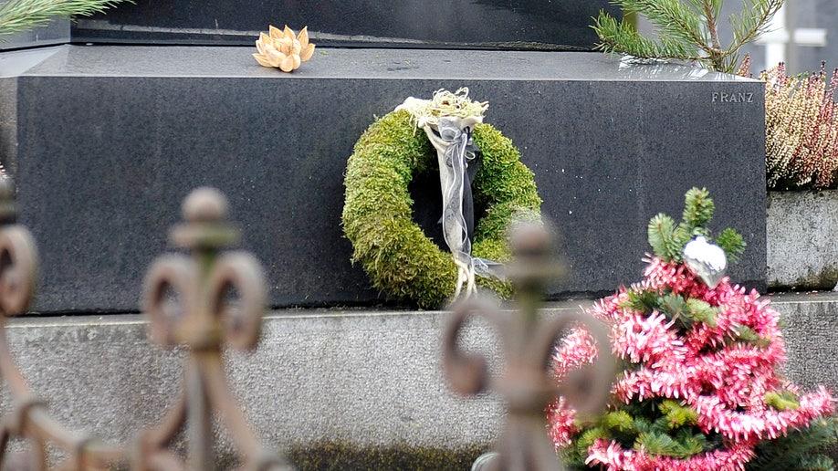 36c84466-Austria Nazi Gravestone
