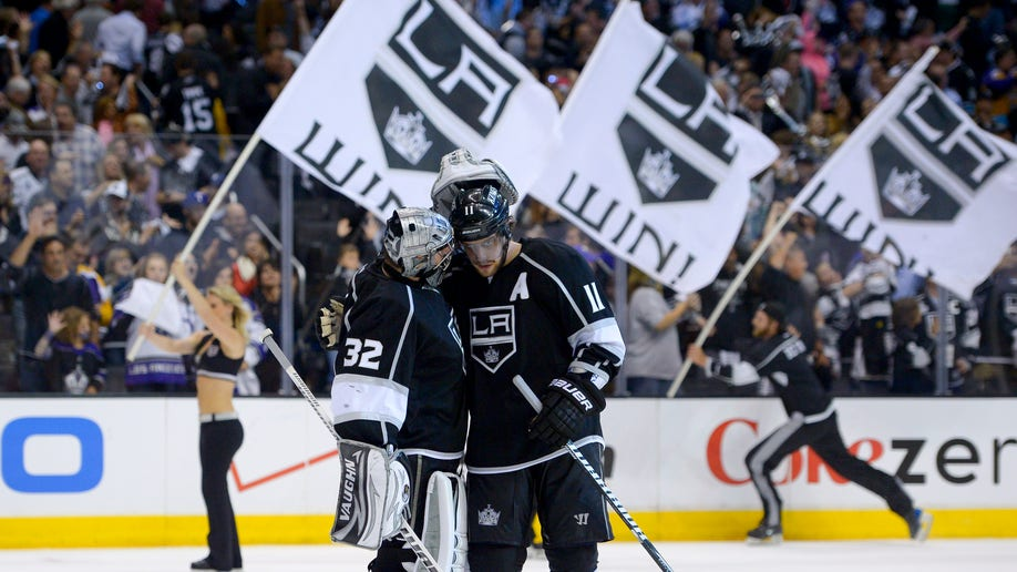 b465dc0e-Sharks Kings Hockey