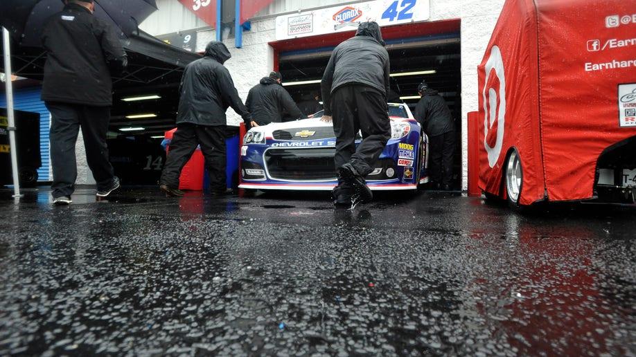 4ac68934-NASCAR Talladega Auto Racing