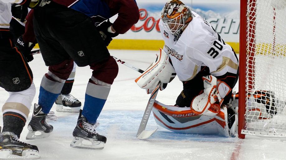 2fec201c-Ducks Avalanche Hockey