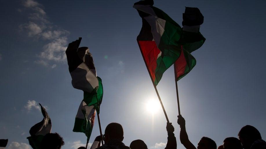 28d14ce9-Mideast Israel Integrating Arabs