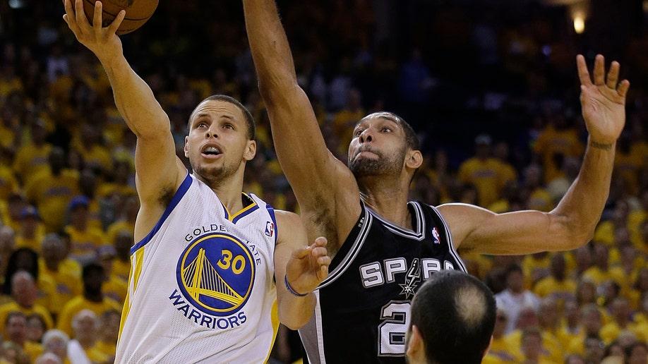 a0677f06-Spurs Warriors Basketball
