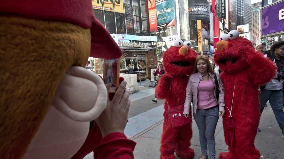 8ca8c0ec-Times Square Characters