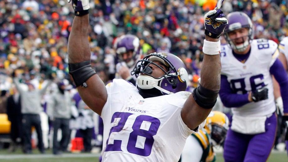 c3e2a222-Vikings Packers Football