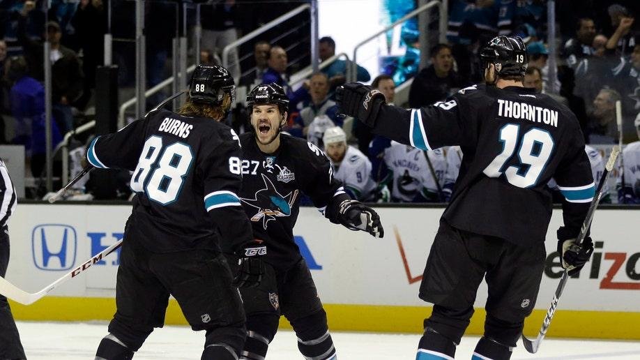 13d7297d-Canucks Sharks Hockey