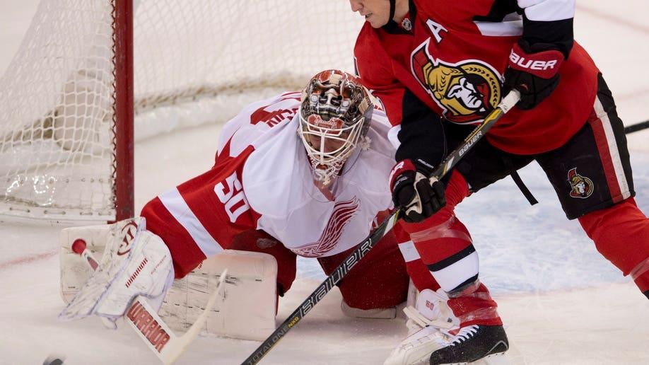 f2a7923f-Red Wings Senators Hockey