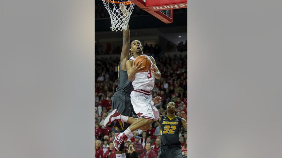 a457f05d-Missouri Arkansas Basketball