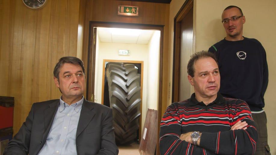 23b37eb6-France Goodyear Bosses Held