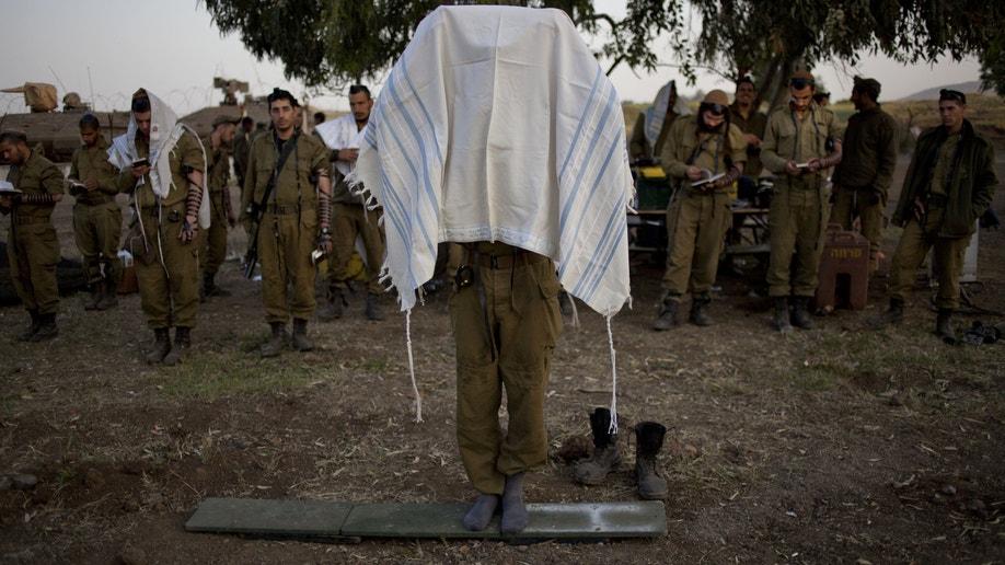 02652b20-Mideast Israel Syria