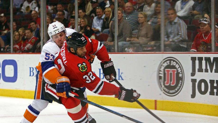 Islanders Blackhawks Hockey