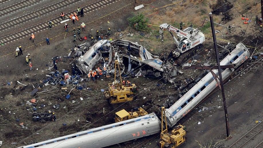 b71d4d4a-APTOPIX Amtrak Crash