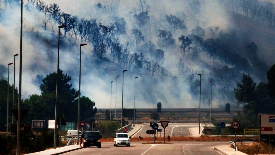 32734292-APTOPIX Spain Wildfire