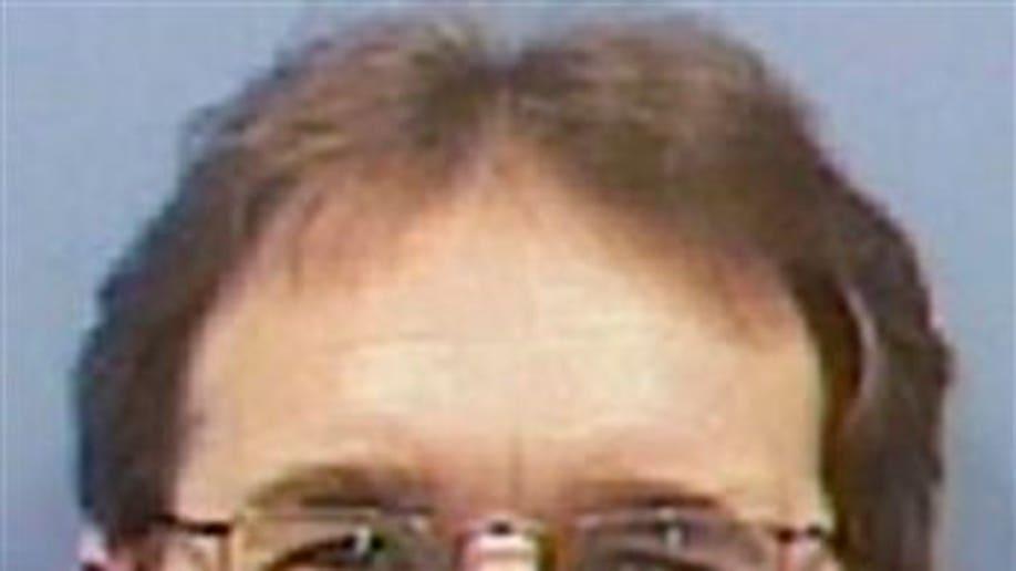 71120491-Embezzlement Suspect Hiker