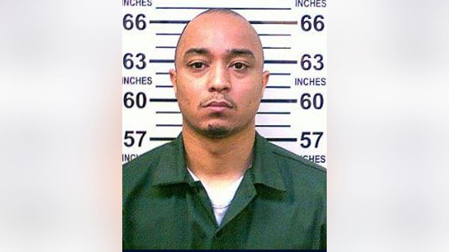 aa13b5a6-Manhattan Officer Shot