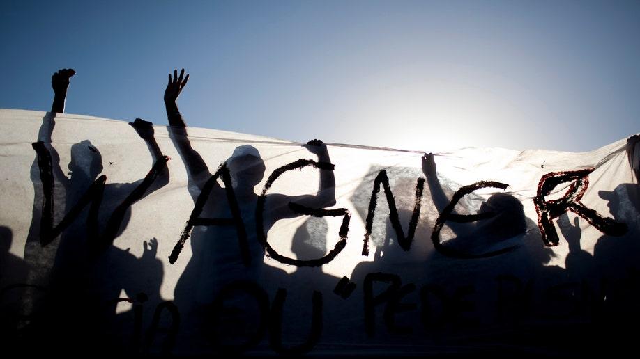 2d744188-APTOPIX Brazil Police Strike