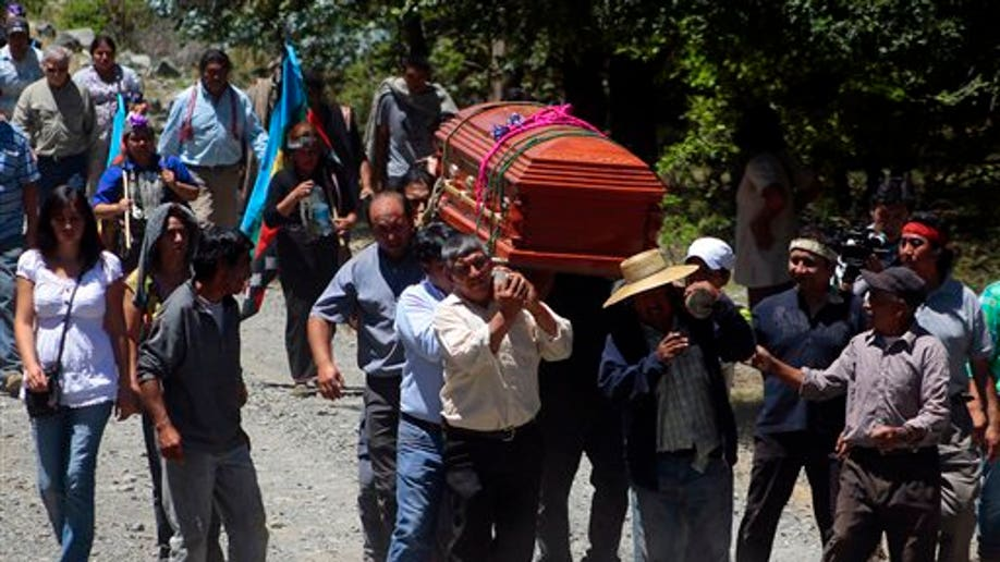42ec9c77-Chile Mapuche Death