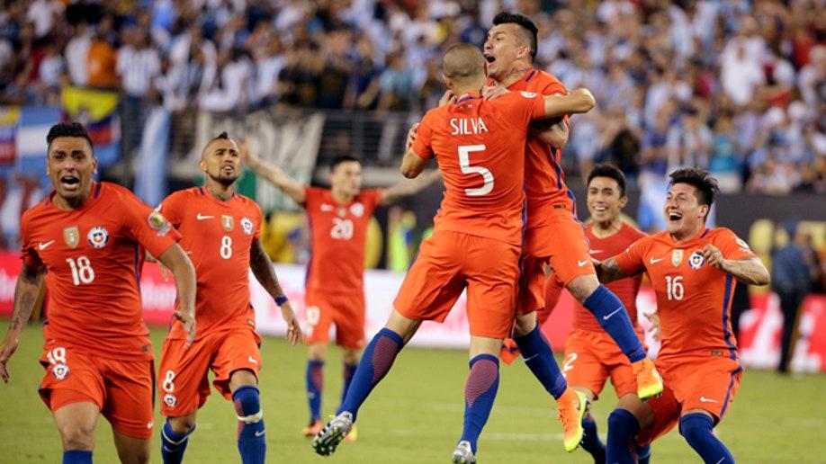 a638df0c-Copa America Centenario Argentina Chile Soccer