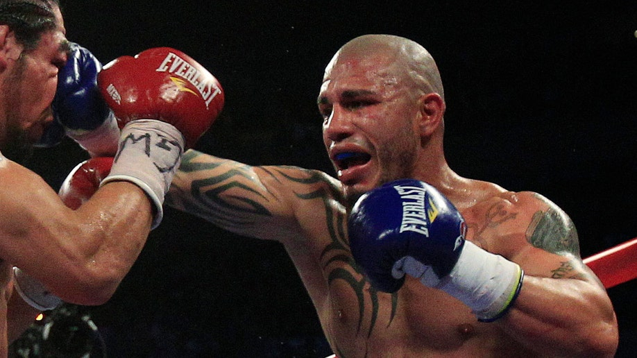 c1d78aec-Cotto Margarito Boxing