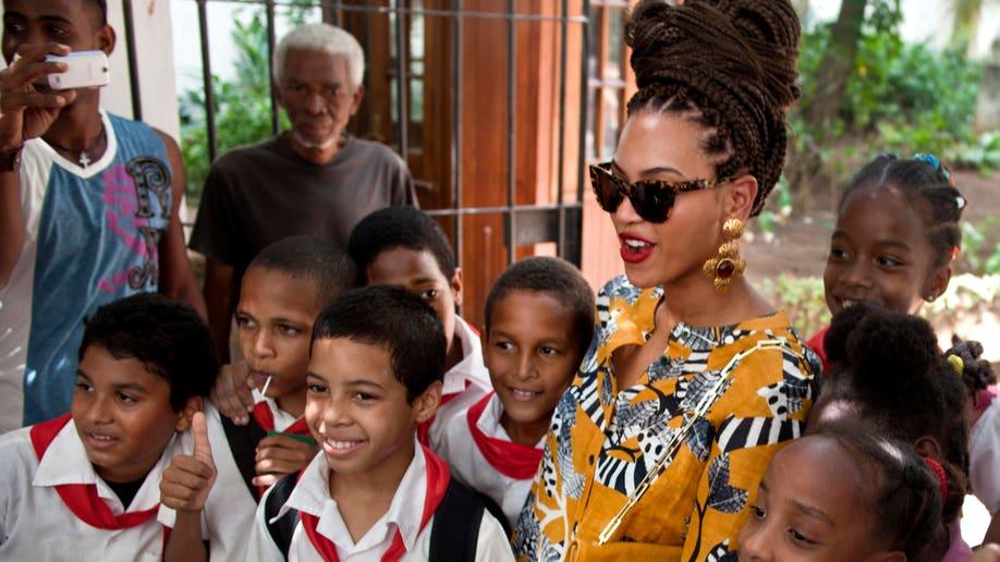 e095d09e-Cuba People Beyonce