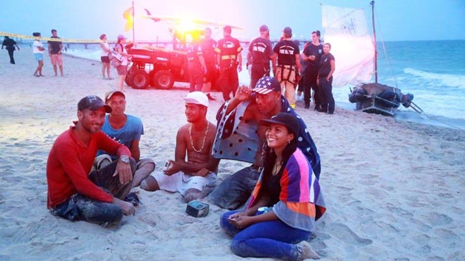 78fb0c9e-Cuban Migrants Ashore