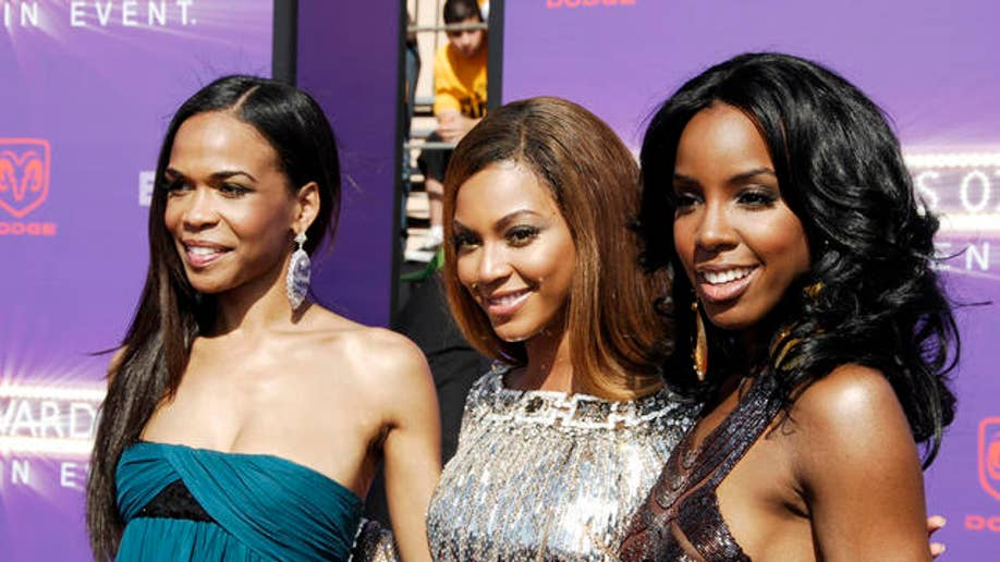 8602c578-BET Awards Arrivals