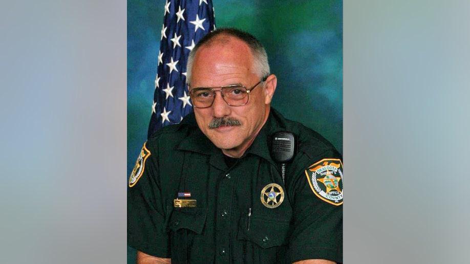18c548ee-Florida Deputy Shot