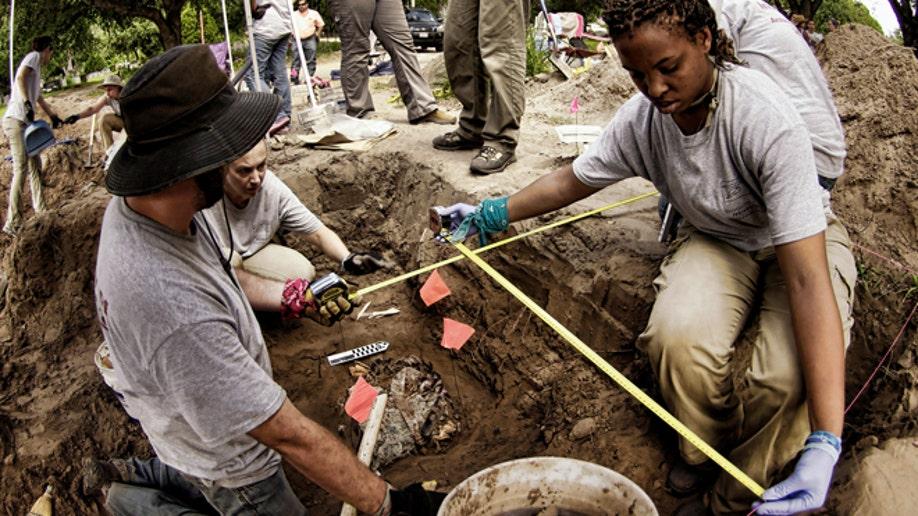 c058ec4c-Immigrant Burials Texas