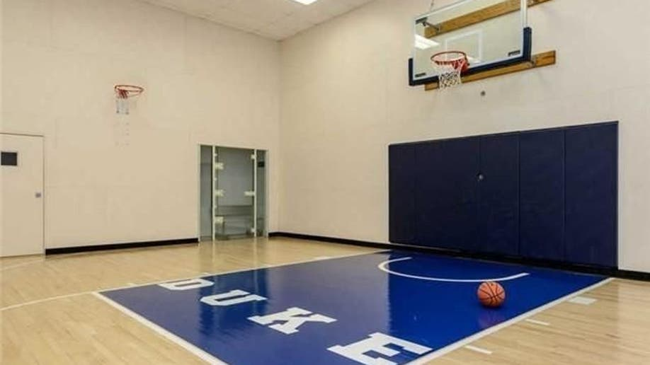 Live Like A Baller In These 7 Homes With Indoor Basketball Courts Fox News